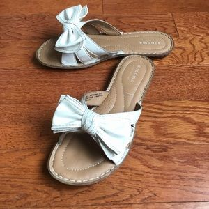White Bow Sandals Size 6 1/2